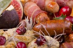 La cena de la Navidad adorna fotos de archivo