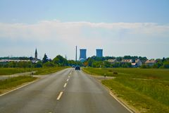 La centrale nucléaire en Bavière, en Allemagne photo libre de droits
