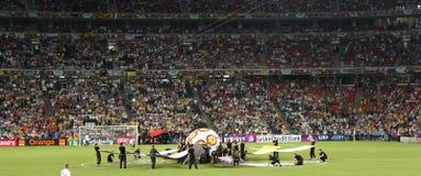 La ceremonia de inauguración del euro 2012 en Donetsk antes del partido España contra Francia en la arena de Donbas el 23 de juni Imagen de archivo libre de regalías