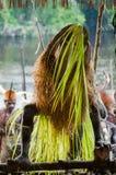 La ceremonia tradicional de la adoración de antepasado Tribu de Asmat Fotos de archivo