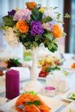 La cerimonia nuziale fiorisce il mazzo nuziale Decorazione di fioritura romantica, decorat Fotografia Stock Libera da Diritti