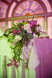 La cerimonia nuziale fiorisce il mazzo nuziale Decorazione di fioritura romantica, decorat Fotografie Stock