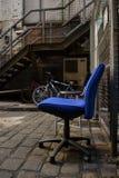 La chaise bleue. Images stock