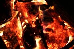 La chaleur de feu de bois de plan rapproché images libres de droits