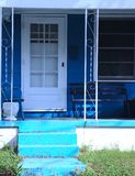 La Chambre avec le crayon a coloré des bleus photo stock