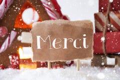 La Chambre de pain d'épice avec le traîneau, flocons de neige, moyens de Merci vous remercient images stock