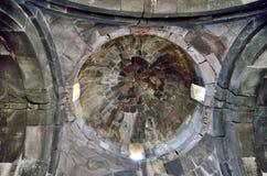 La chambre forte de l'église du 11ème siècle près de la forteresse d'Amberd en Arménie Images libres de droits
