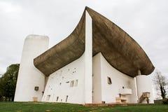 La Chapelle de Notre Dame du Haut Ronchamp royaltyfria foton