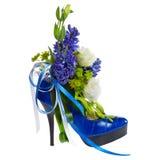 La chaussure de Madame décorée des fleurs Image libre de droits