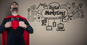 La chemise d'ouverture de super héros d'homme d'affaires sur le fond brun avec le marketing numérique gribouille Photographie stock