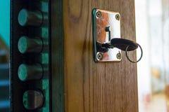 La chiave è nella serratura di porta Fotografia Stock Libera da Diritti