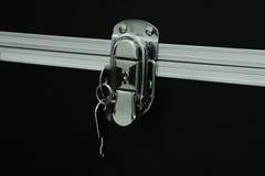 La chiave sulla scatola di stoccaggio Immagine Stock