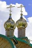 la chiesa attraversa le cupole Fotografia Stock Libera da Diritti