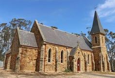 La chiesa cattolica di St Mary di Dunolly, una costruzione gotica di rinascita fatta dell'arenaria locale ed il granito, sono sta Fotografia Stock