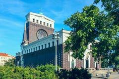 La chiesa del cuore sacro del signore a Praga, repubblica Ceca immagini stock