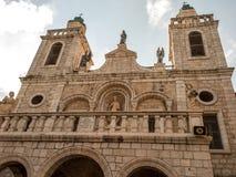 La chiesa del primo miracolo di Gesù Coppie da ogni parte del wo Immagini Stock Libere da Diritti