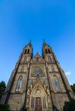 La chiesa della st Ludmila al quadrato di pace a Praga, repubblica Ceca Fotografia Stock