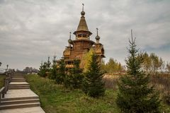 La chiesa di legno russa tradizionale in Russia antica Fotografia Stock Libera da Diritti