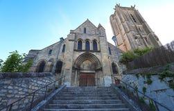 La chiesa di Saint Laurent del sur Oise, Francia di Beaumont immagine stock libera da diritti
