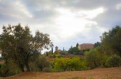 La chiesa di Sant Genis Ametlla e può casa di Xammar Fotografie Stock