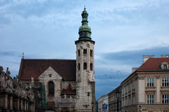 La chiesa di St Andrew a Cracovia al crepuscolo Immagini Stock