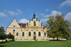 La chiesa di St Ann in Mnichovo Hradiste Fotografia Stock