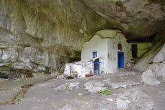 La chiesa famosa della caverna sul Mt. Olympus, Grecia Fotografie Stock