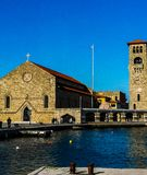 La chiesa famosa di Evagelismos nel centro di Rodi vicino al mare fotografia stock libera da diritti
