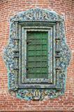 la chiesa ha chiuso la finestra affiancata decorata glased Fotografia Stock Libera da Diritti