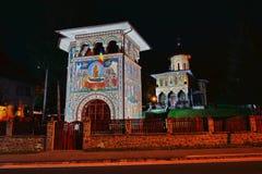 La chiesa ortodossa da Baile Tusnad, la Transilvania, Romania di notte Fotografia Stock Libera da Diritti