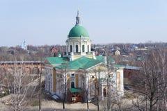 La chiesa ortodossa nel Cremlino di una città provinciale nella regione di Mosca Immagini Stock Libere da Diritti