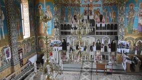 La chiesa ortodossa in Oncesti, Romania archivi video