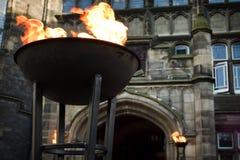 La chimenea adentro entra al castillo viejo Imagen de archivo libre de regalías
