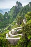 La Chine, bâti Tianmen Shan, tours 99 de serpentine Photo libre de droits
