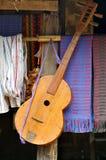 La chitarra dell'alpinista Fotografia Stock Libera da Diritti