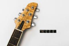 La chitarra mette insieme il fondo di musica di amore Immagini Stock Libere da Diritti