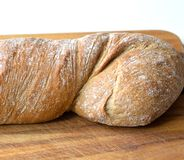 la ciabatta font le pain cuire au four images stock