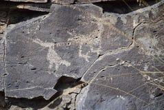 La Cieneguilla刻在岩石上的文字站点-圣菲, NM 免版税库存照片