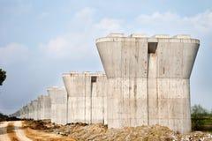 La Cina, pilastri concreti nel cantiere ferroviario Immagine Stock Libera da Diritti