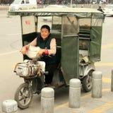 La Cina 2016 Popolo cinese di varie professioni incontrato in varie città: Pechino, Xi `, chzhanchzhandze lavoro delle donne e de Immagini Stock Libere da Diritti