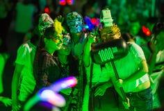La Cina Shenzhen che molta gente ha schiacciato nel parco a tema per partecipare alle attività di Halloween Immagini Stock