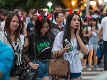 La Cina Shenzhen che molta gente ha schiacciato nel parco a tema per partecipare alle attività di Halloween Immagini Stock Libere da Diritti