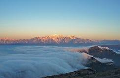 La Cina Sichuan, paesaggio della montagna del bestiame di Ganzi,   immagine stock