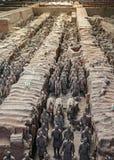 La Cina, Xi ` Figure dell'argilla dei guerrieri, dei cavalli e delle bighe Fotografie Stock Libere da Diritti