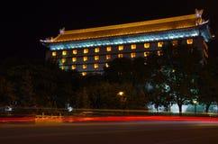 La Cina, Xi'an, muro di cinta antico alla notte Immagini Stock Libere da Diritti