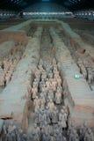 La Cina/Xian: Guerrieri e cavalli di terracotta Immagini Stock