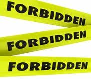 La cinta amarilla prohibida restringió el acceso no permitido Foto de archivo libre de regalías