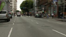 La cinta del amarillo de LAPD, enfoca hacia fuera