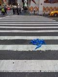 La cinta en la calle, policía de la barricada graba, la cinta de la aplicación de ley, NYC, NY, los E.E.U.U. fotografía de archivo