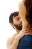 La cintura de la mujer conmovedora del silm del hombre Fotografía de archivo